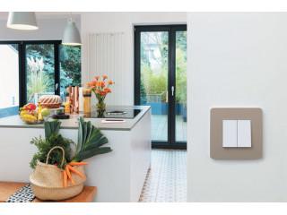 Schneider Electric представляет долгожданное обновление серии Unica! Unica NEW - невыносимо прекрасная, простая и умная.